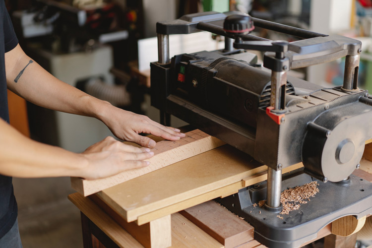 best-benchtop-planers-woodworking-project-featured-image