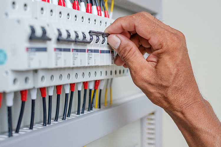 circuit breaker keeps tripping how to fix it featured image