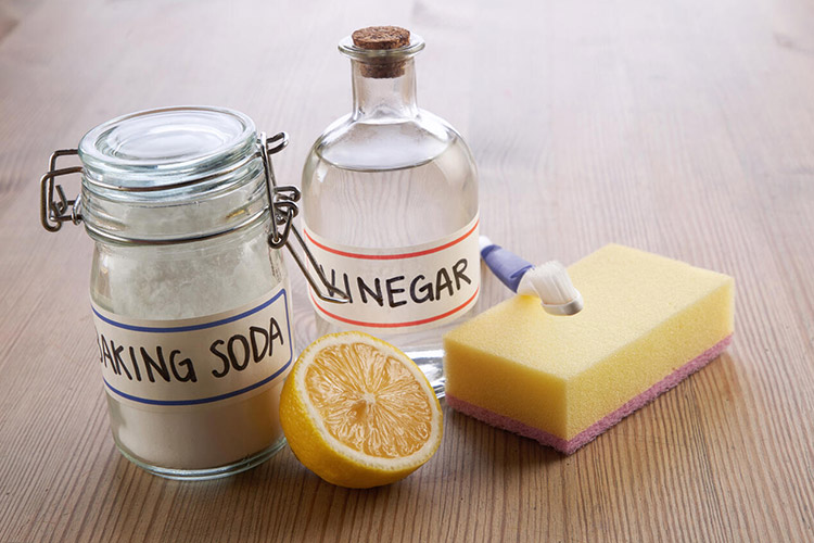 cleaning vinegar baking soda featured image