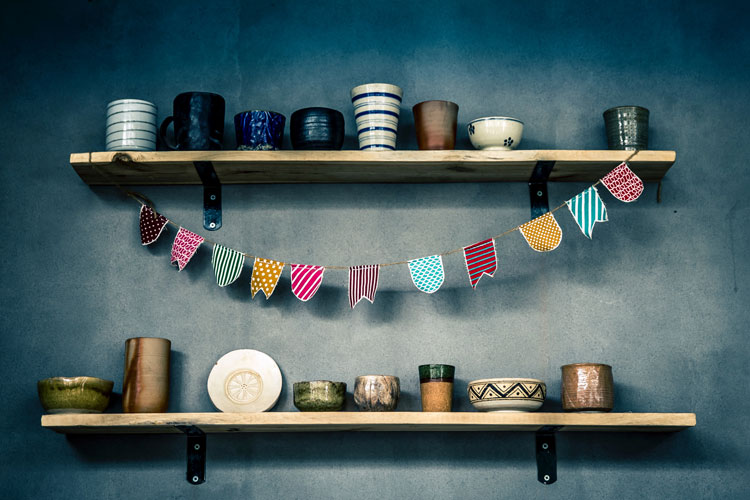 diy floating shelves guide and ideas staggered