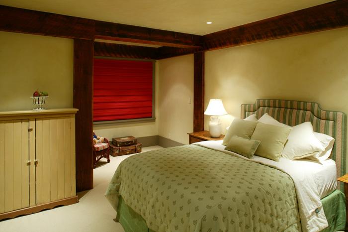 unfinished-basement-design-ideas-movie-bedroom