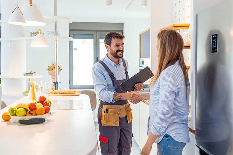 hiring contractor near me tips to find a good contractor home improvement repairs featured image